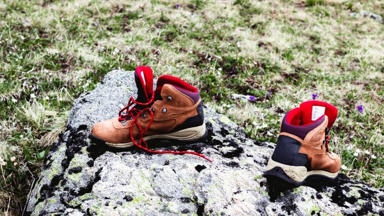 Do Hiking Boots Have Red Laces